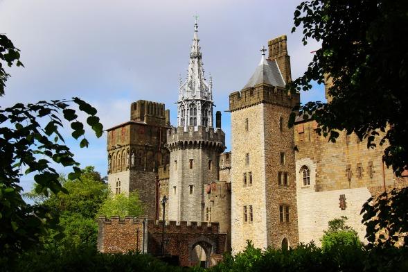 castle-2354610_1920.jpg